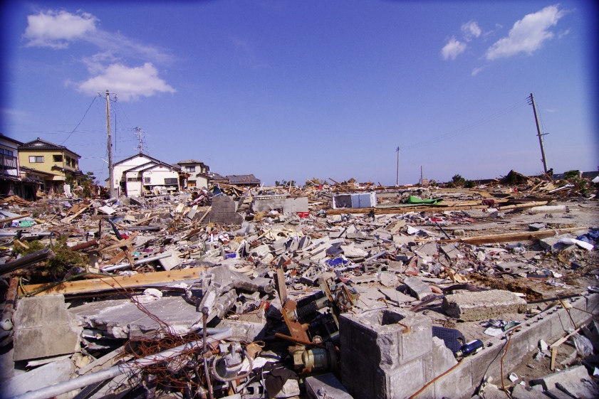 Devastation_after_tsunami_in_Iwaki_2